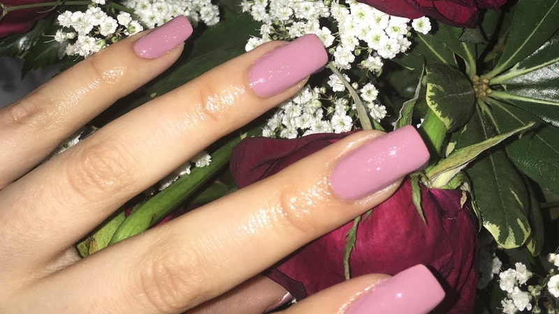 Acrylic Nails Make Typing Hard? Try the Best 5 Tips - EnkiVillage